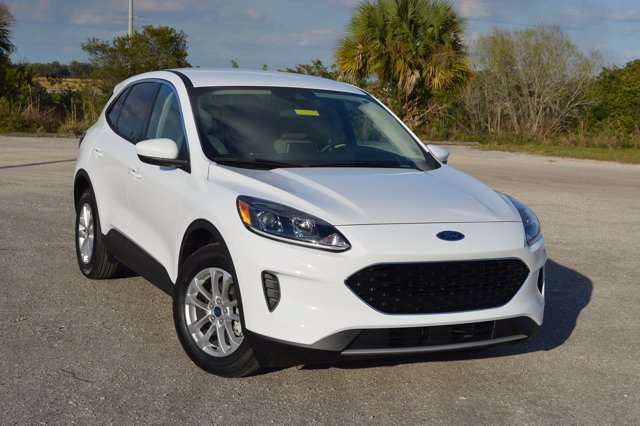 Pre-Owned 2020 Ford Escape SE
