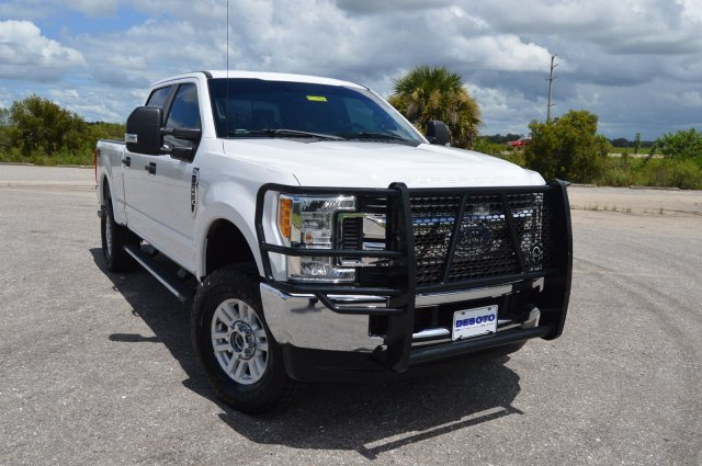 Pre-Owned 2017 Ford Super Duty F-250 SRW STX