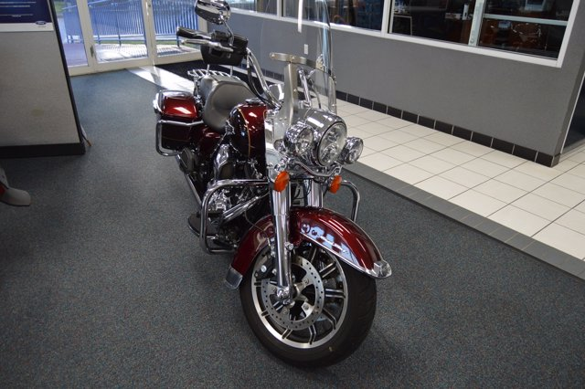 Pre-Owned 2015 HARLEY-DAVIDSON ROAD KING